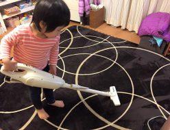 仕組みがあれば、3才でも掃除機が使える!